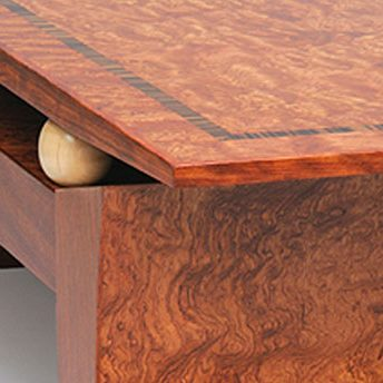 diamond-anniversary-hall-table-corner-detail